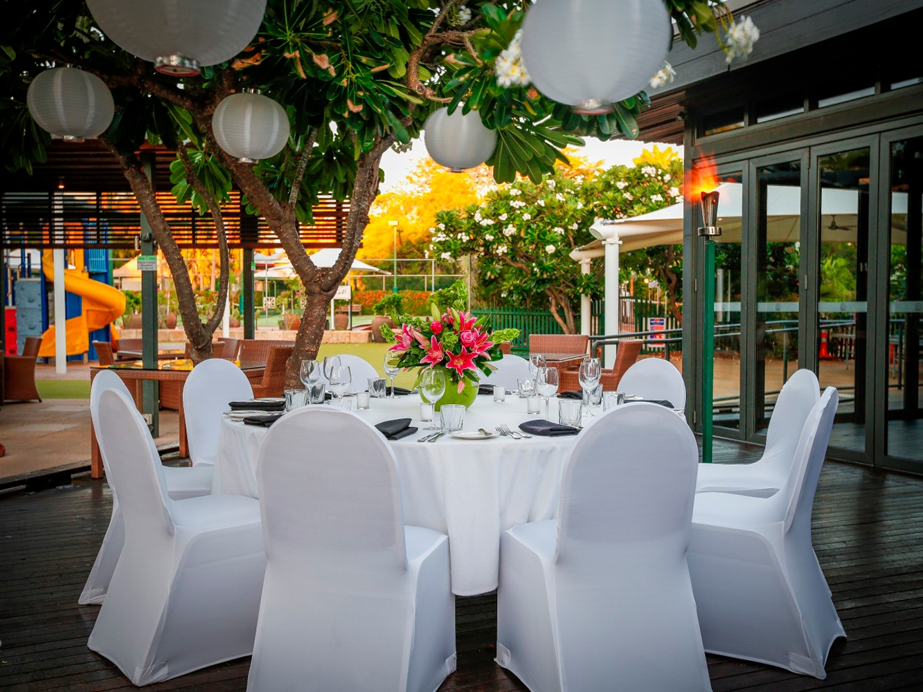 Conferences Event Venues Poolside Dining 13