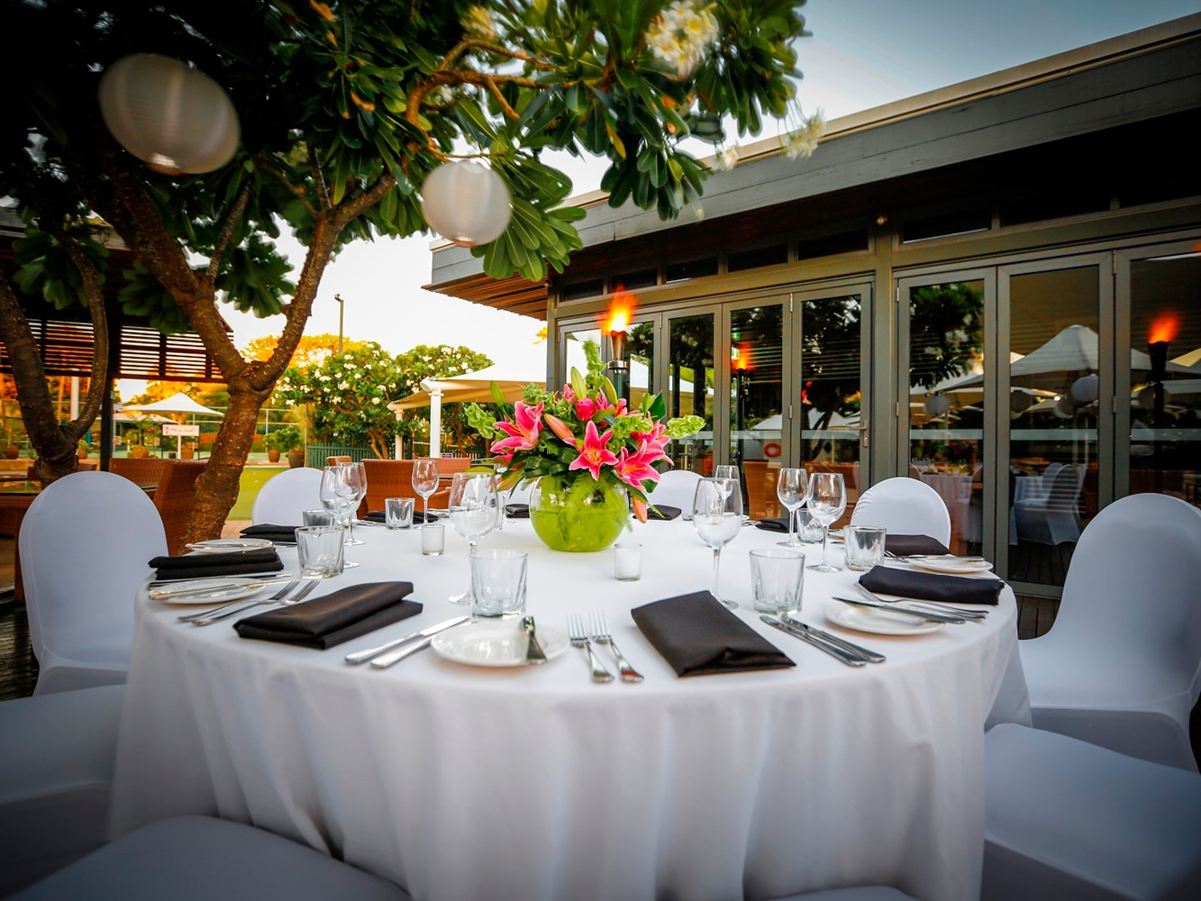 Conferences Event Venues Poolside Dining 14