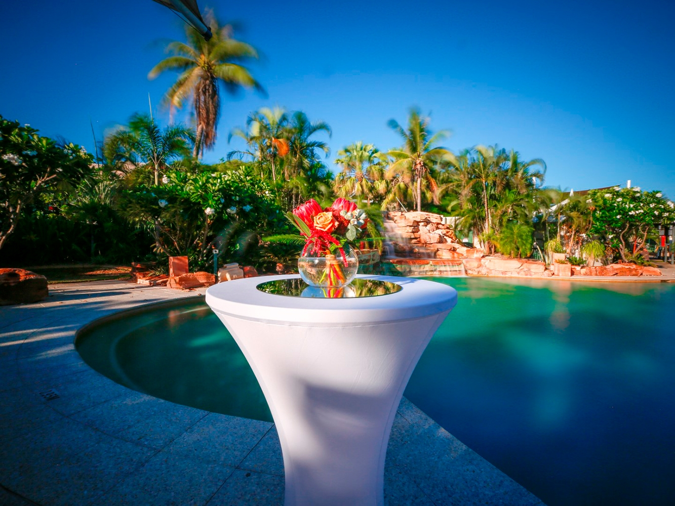 Conferences Event Venues Poolside Dining 18