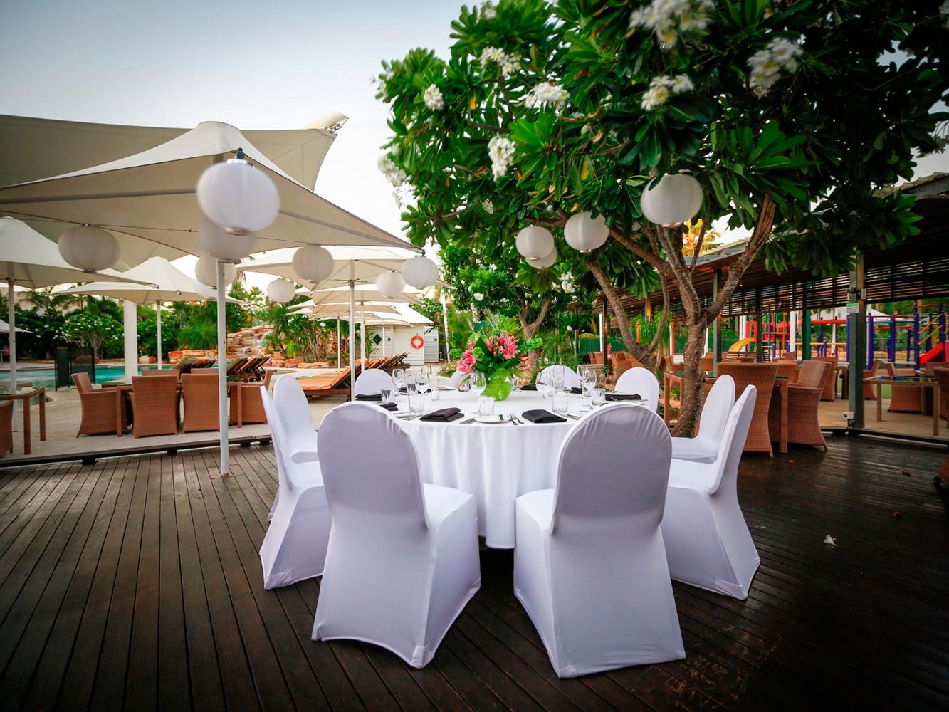 Conferences Event Venues Poolside Dining 2