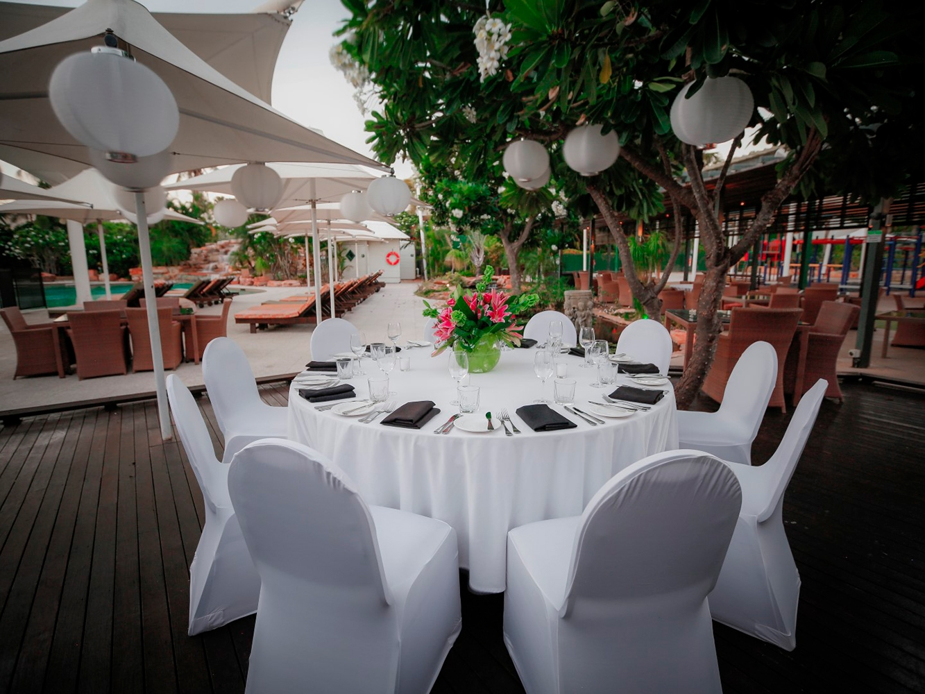 Conferences Event Venues Poolside Dining 3